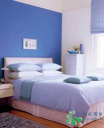 地毯也采用统一的浅蓝色调